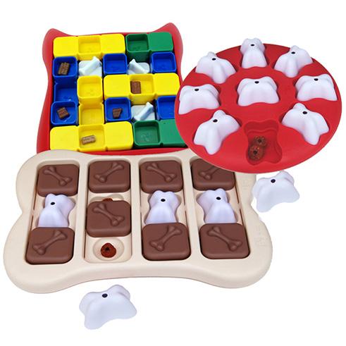 3  IQ Aktivointi lelut, muovi. Vaikeusastetta 1 & 2.